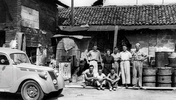mapei italy family pictured black and white